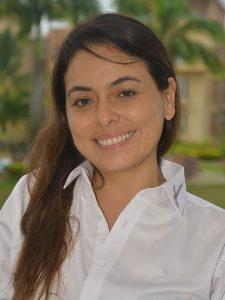 Patricia García P, Capacitadora en los cursos de HoCoTec en los procesos de bioseguridad y sanidad.